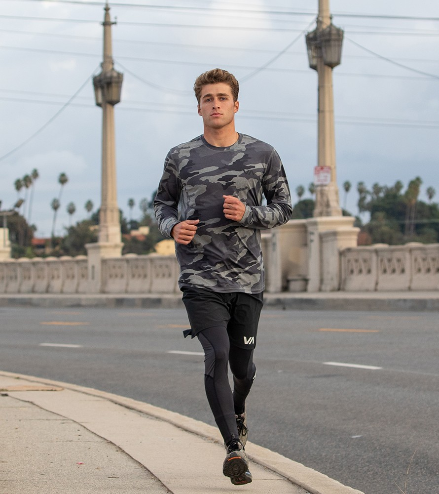 Push harder. Run faster. Leave it all on the concrete. This is your workout. This is where the change is made. Move effortlessly from the gym to the streets in the RVCA Men's collection, featuring premium on-trend clothing and accessories that keep it fresh while helping you reach peak performance.
