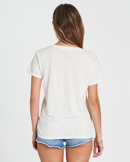5 So Close Tee White J437SBSO Billabong