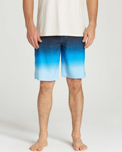 4 Fluid Airlite Boardshorts Blue M104TBFL Billabong