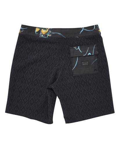 1 Sundays Mini Pro Boardshorts Black M125TBSM Billabong