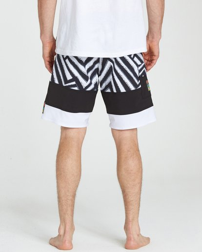 4 Pump X Boardshorts Black M127NBPM Billabong