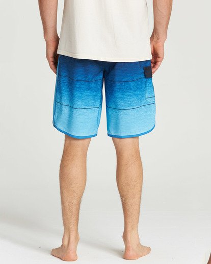 5 73 Stripe Pro Boardshorts Blue M127TBST Billabong