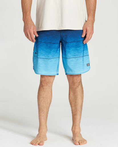 4 73 Stripe Pro Boardshorts Blue M127TBST Billabong