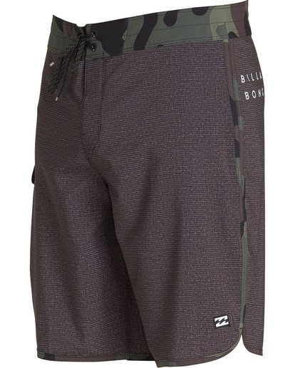 2 73 Pro Boardshorts Black M128TBSE Billabong