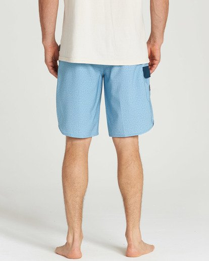 4 73 Pro Boardshorts Blue M128TBSE Billabong