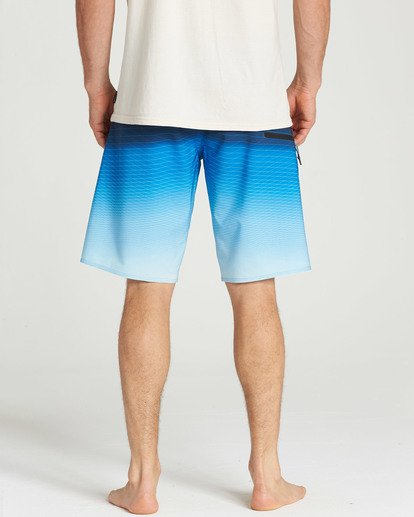 4 Fluid Pro Boardshorts Blue M131TBFL Billabong