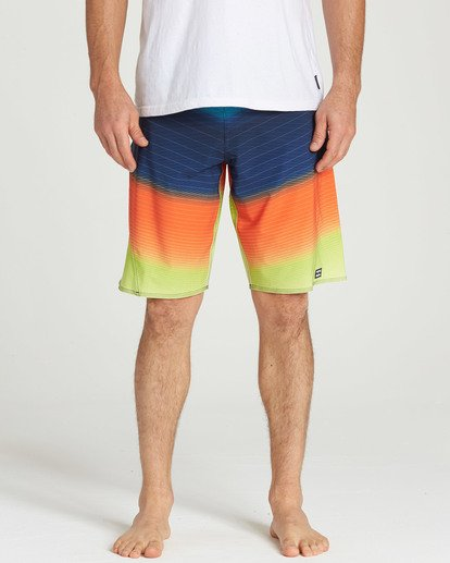 4 Fluid Pro Boardshorts Orange M131TBFL Billabong