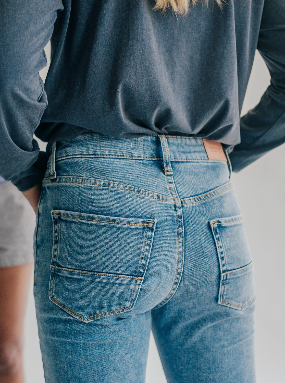 4 Quiksilver Womens - Jean skinny taille haute pour Femme Bleu EQWDP03000  Quiksilver 3bb4c97f69c