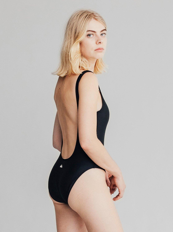 quiksilver womens maillot de bain une pi ce pour femme. Black Bedroom Furniture Sets. Home Design Ideas