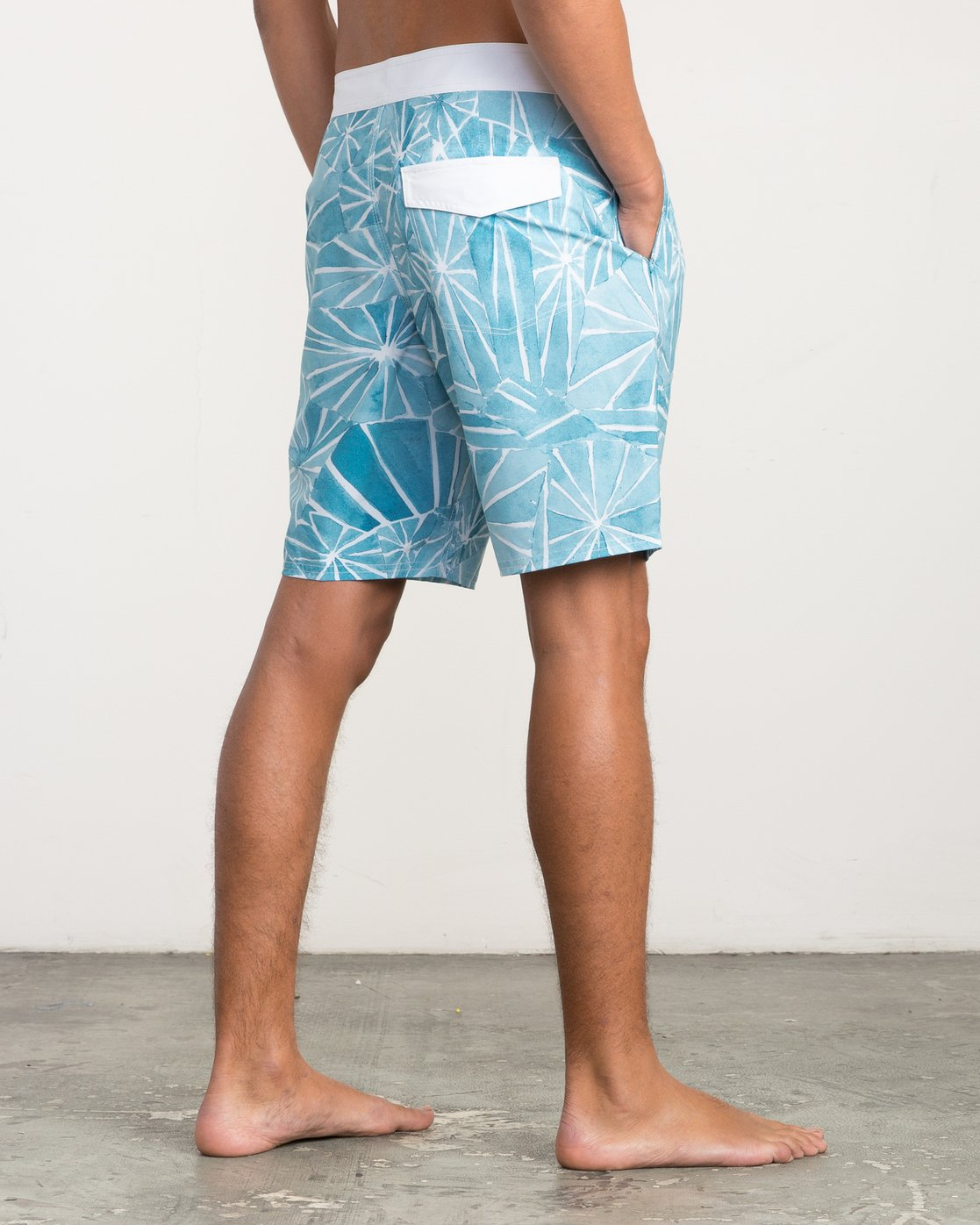 "5 Blade Printed 20"" Boardshort Blue M105QRBL RVCA"