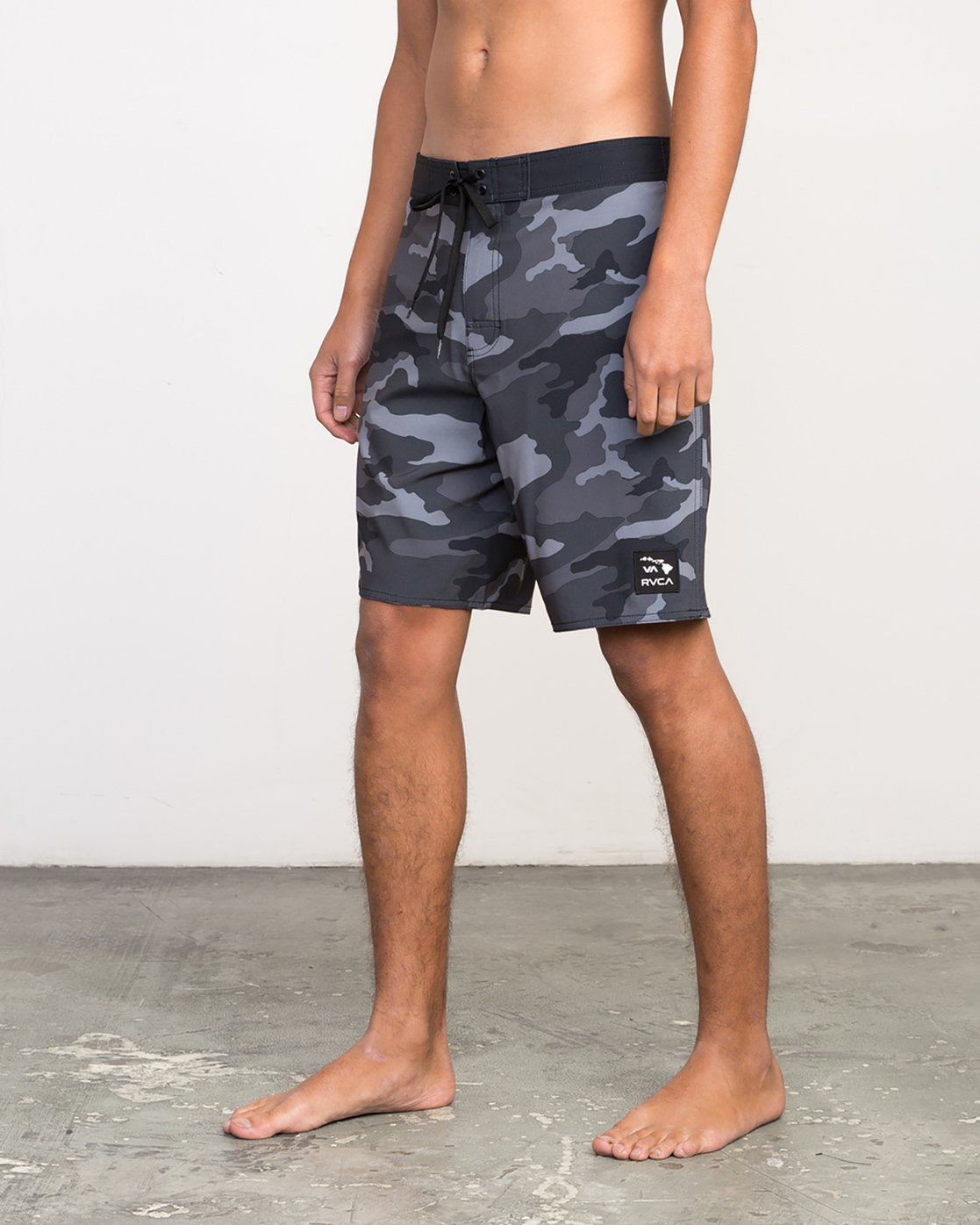 "2 Islands VA 19"" Boardshort Black M124NRIV RVCA"