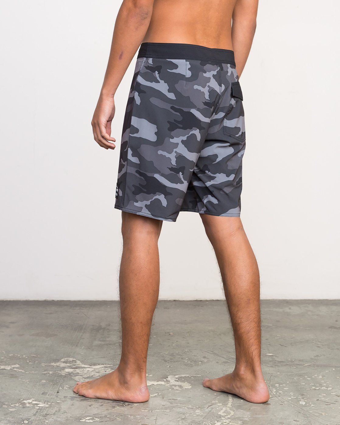"3 Islands VA 19"" Boardshort Black M124NRIV RVCA"