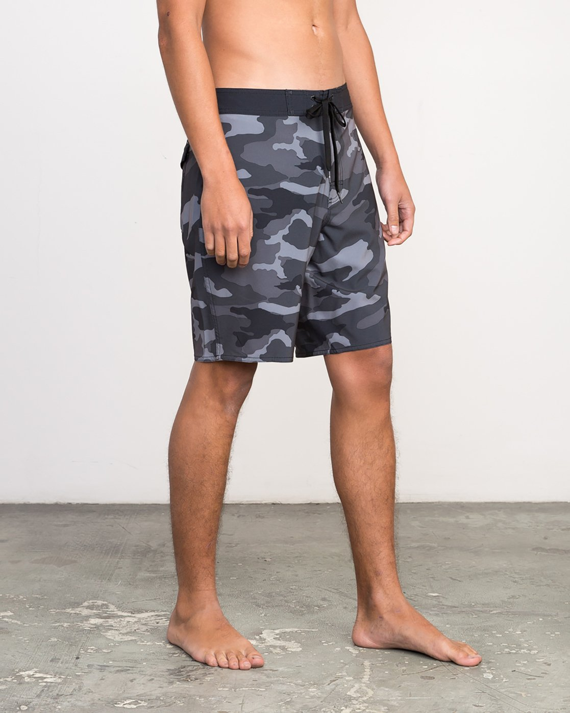 "6 Islands VA 19"" Boardshort Black M124NRIV RVCA"