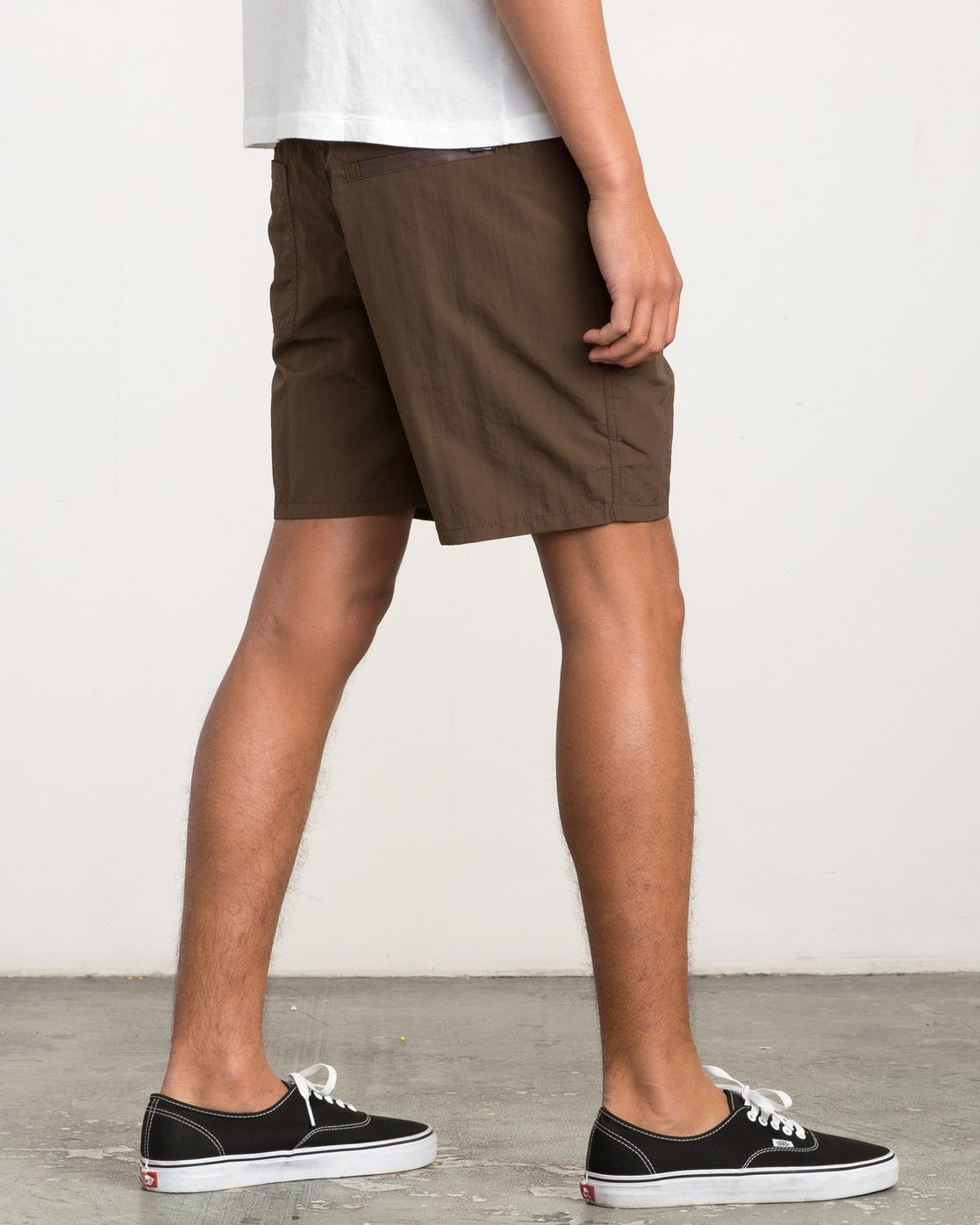 5 Nomatic All Time Hybrid Short Brown M203QRNO RVCA