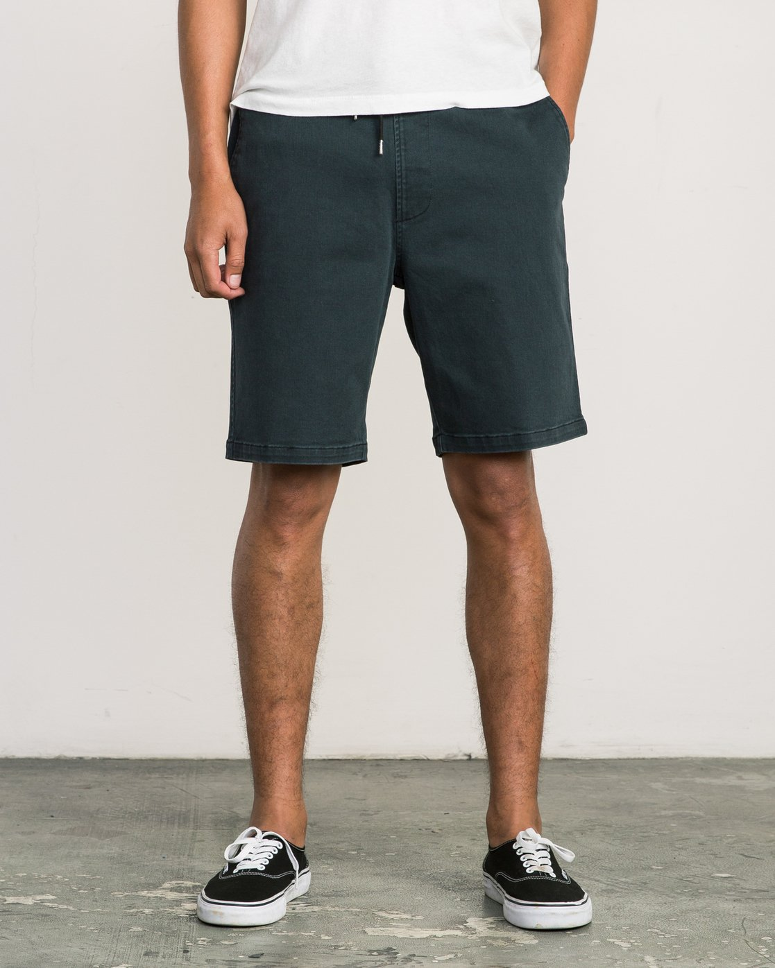 1 AR Everyday Elastic Short Black M203SREV RVCA