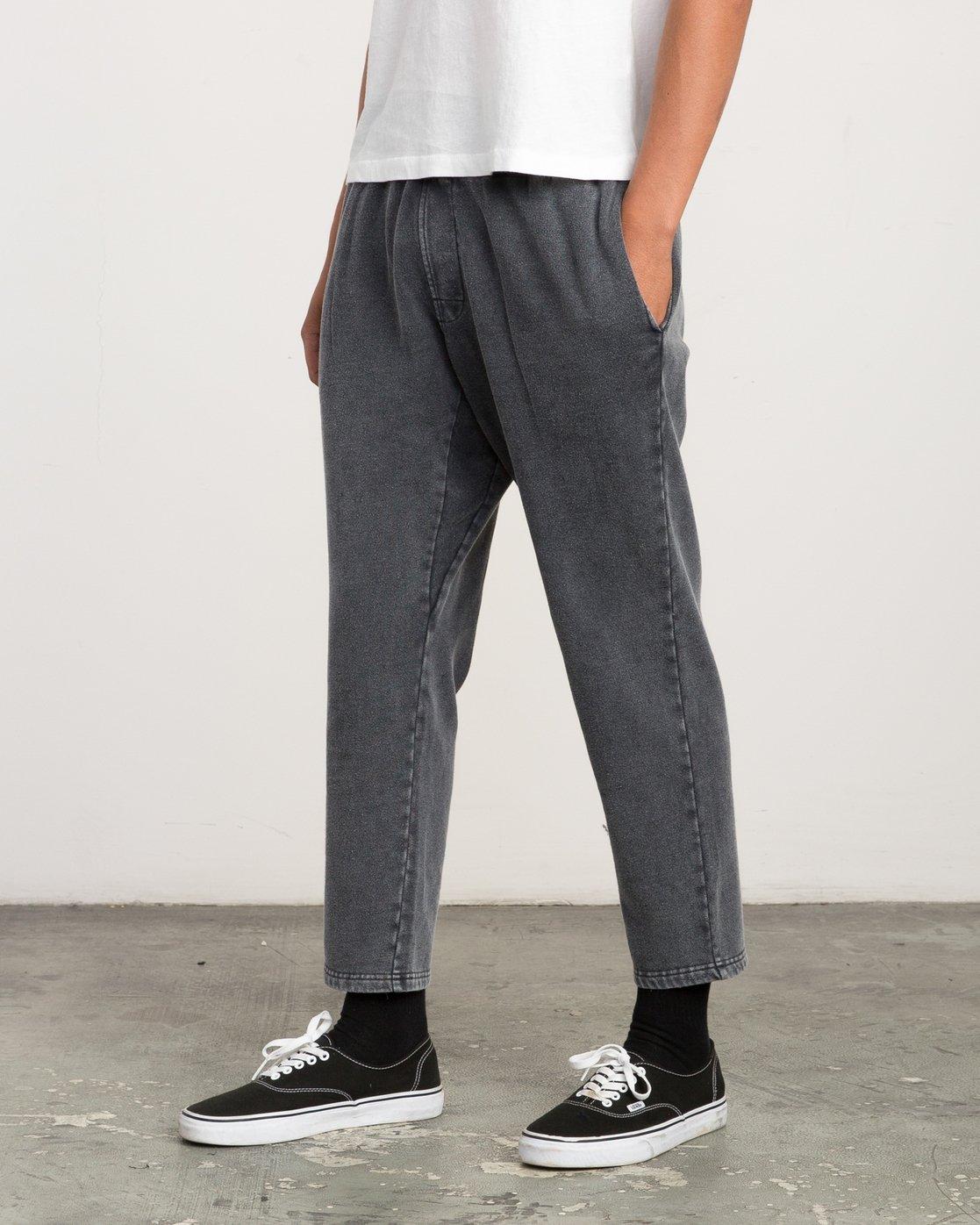 2 Matador Pigment Fleece Sweat Pants Black M312QRMA RVCA