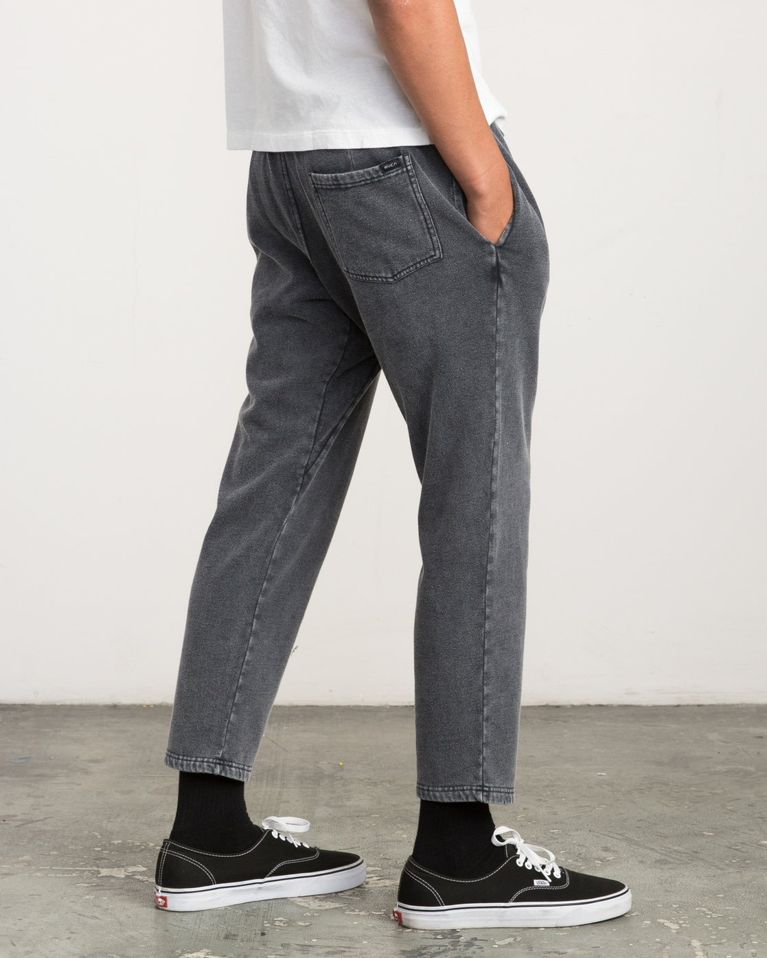 4 Matador Pigment Fleece Sweat Pants Black M312QRMA RVCA