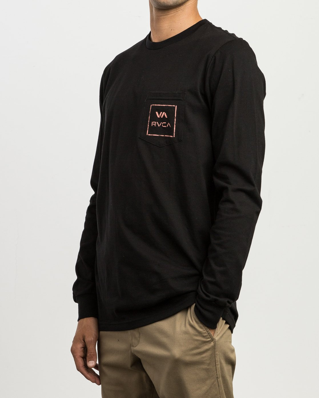 3 VA Spray Long Sleeve Pocket T-Shirt Black M495SRVA RVCA