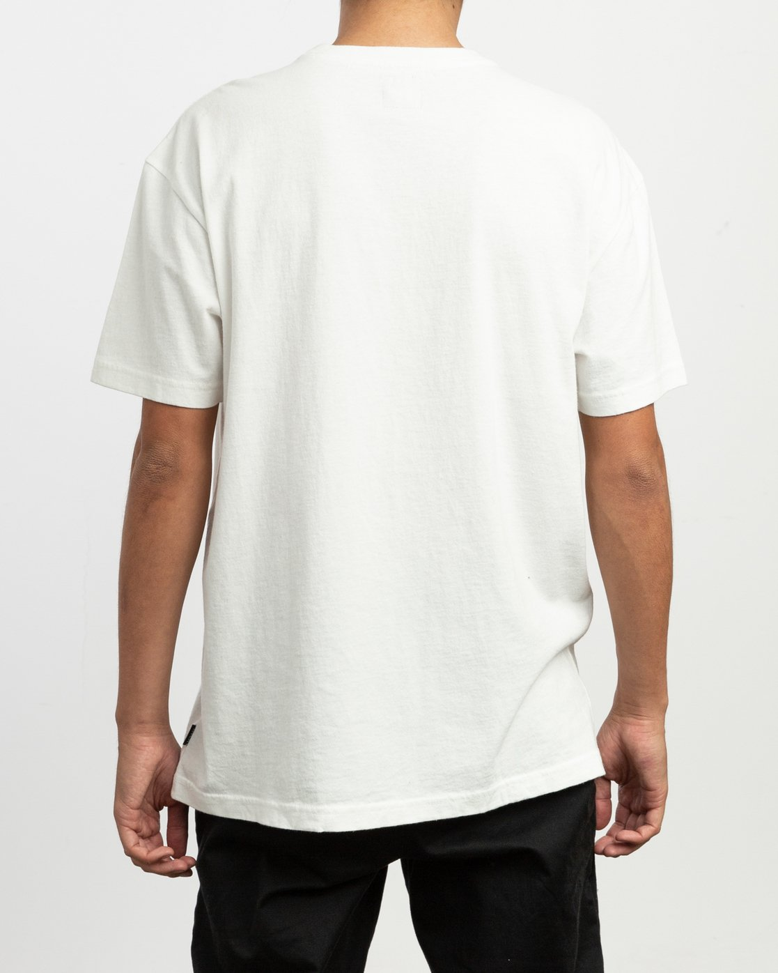 3 OS Pigment Embroidered Knit T-Shirt White M905QROP RVCA