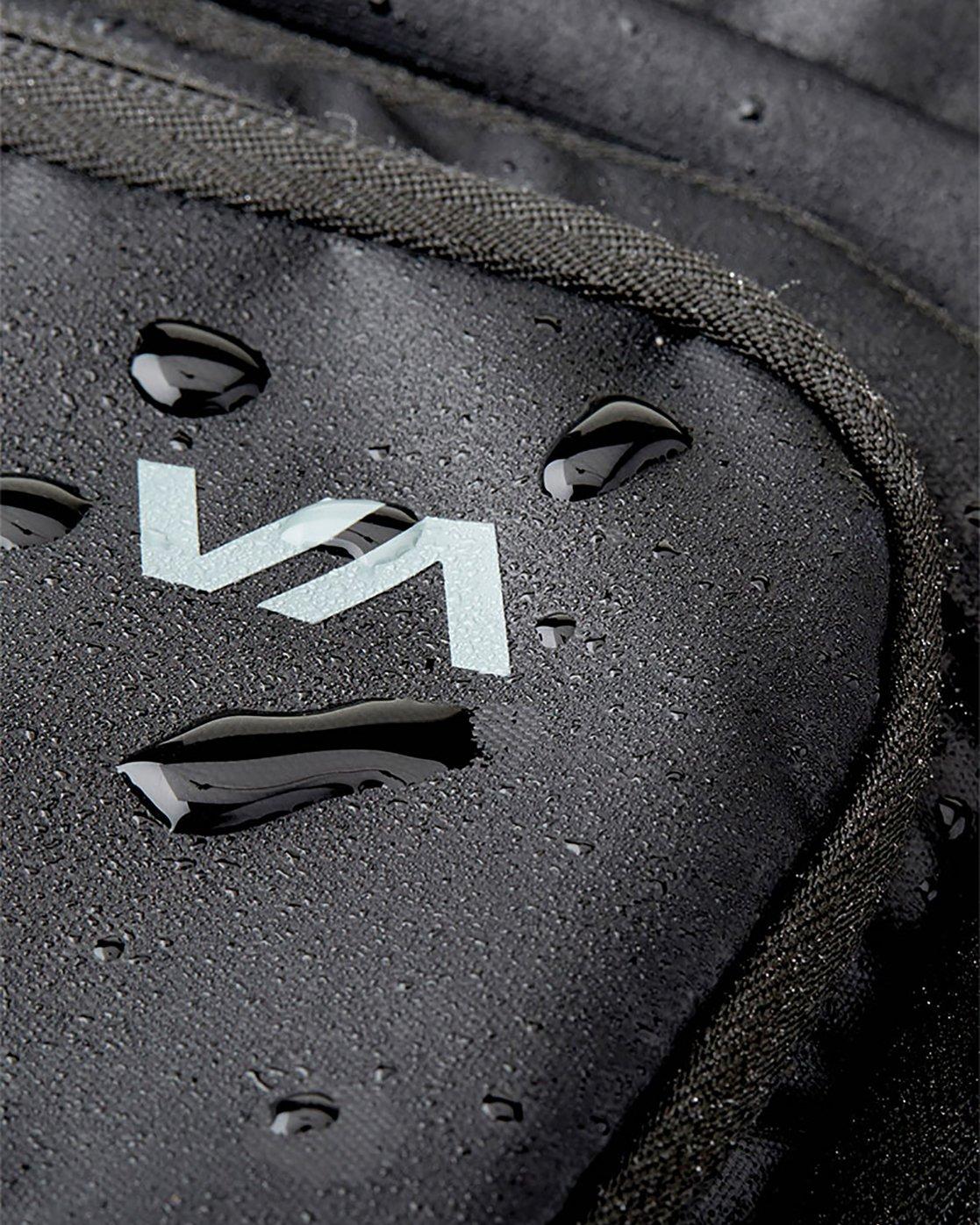 6 Zak Noyle Camera Bag Black MHABKZNB RVCA