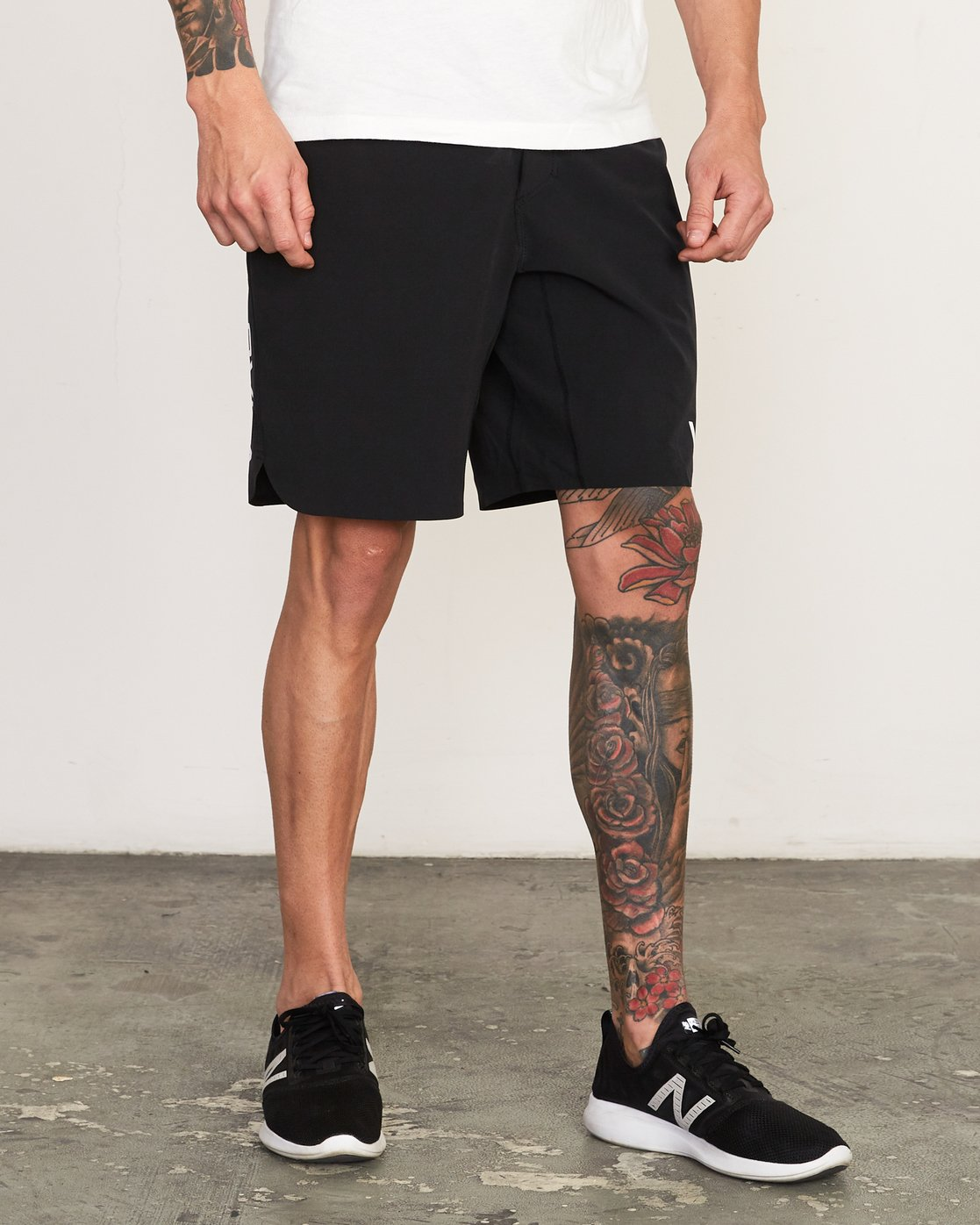 "6 Train 19"" Lined Short Black V202TRTL RVCA"