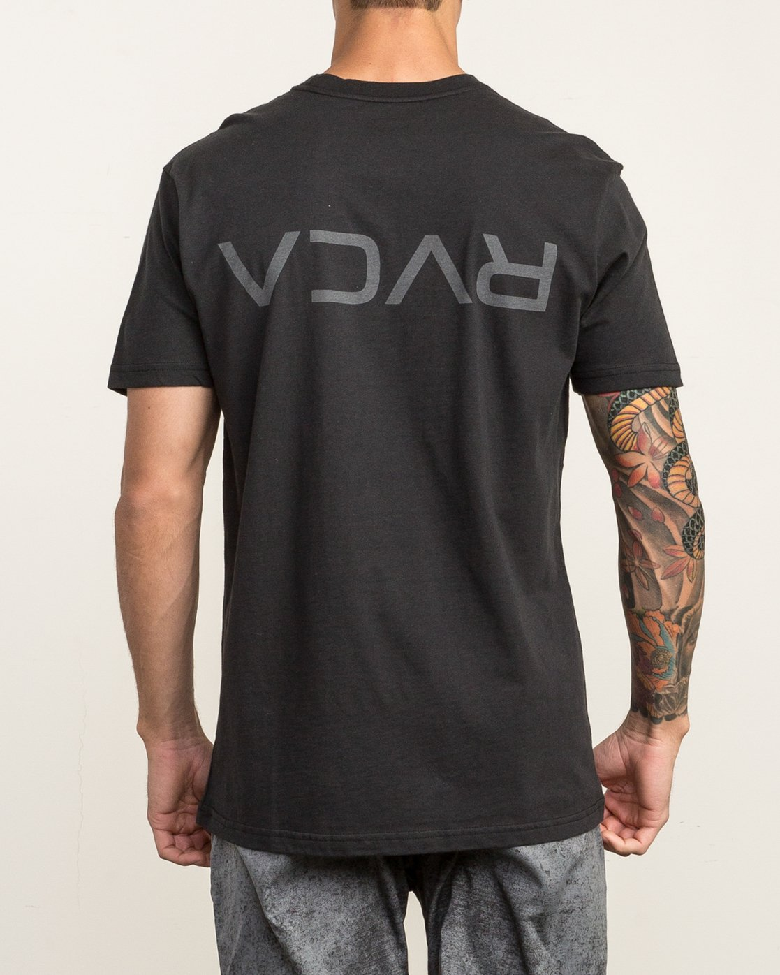 4 Flipped T-Shirt Black V402SRFL RVCA
