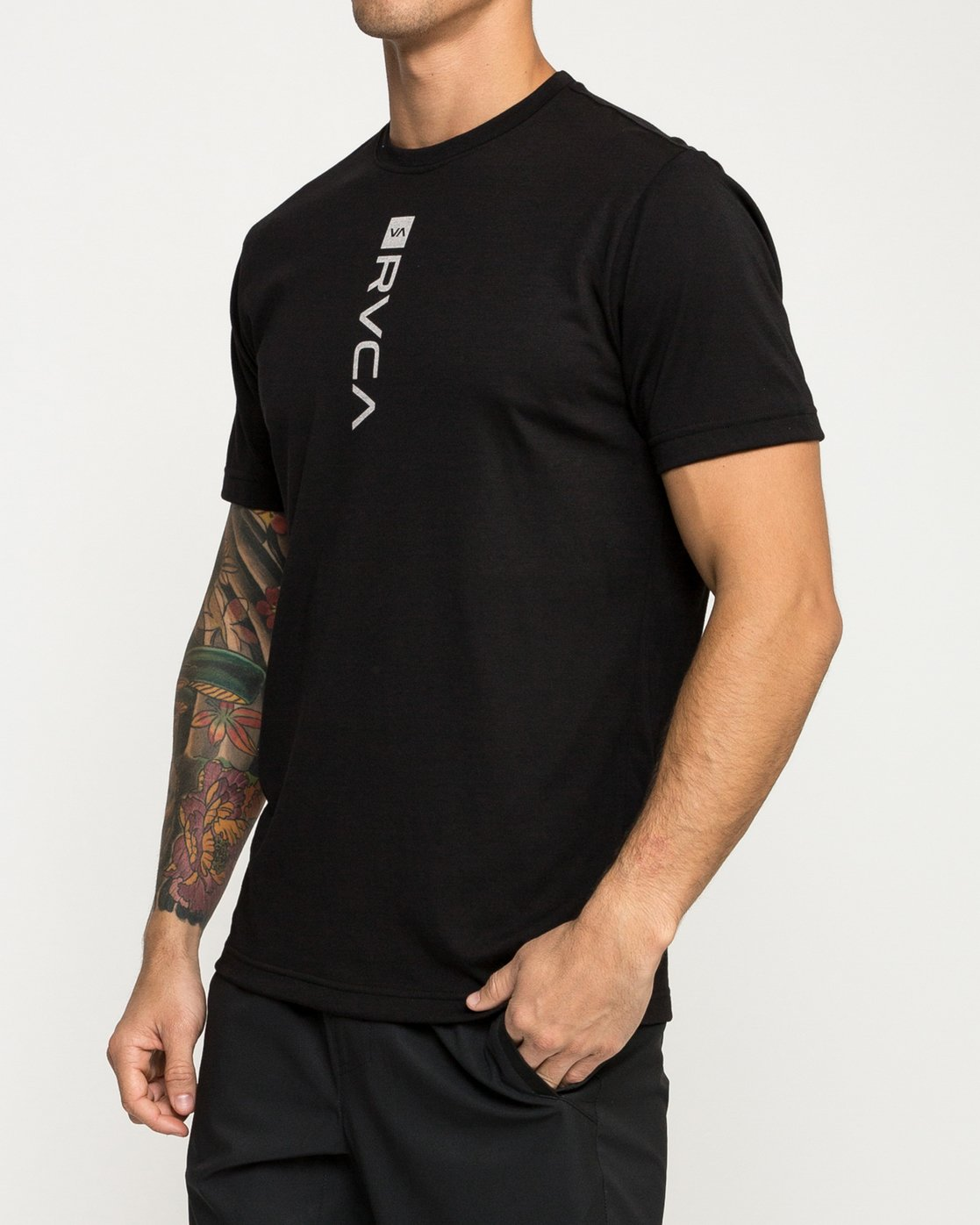 2 RVCA Verted Performance T-Shirt Black V404TRRV RVCA