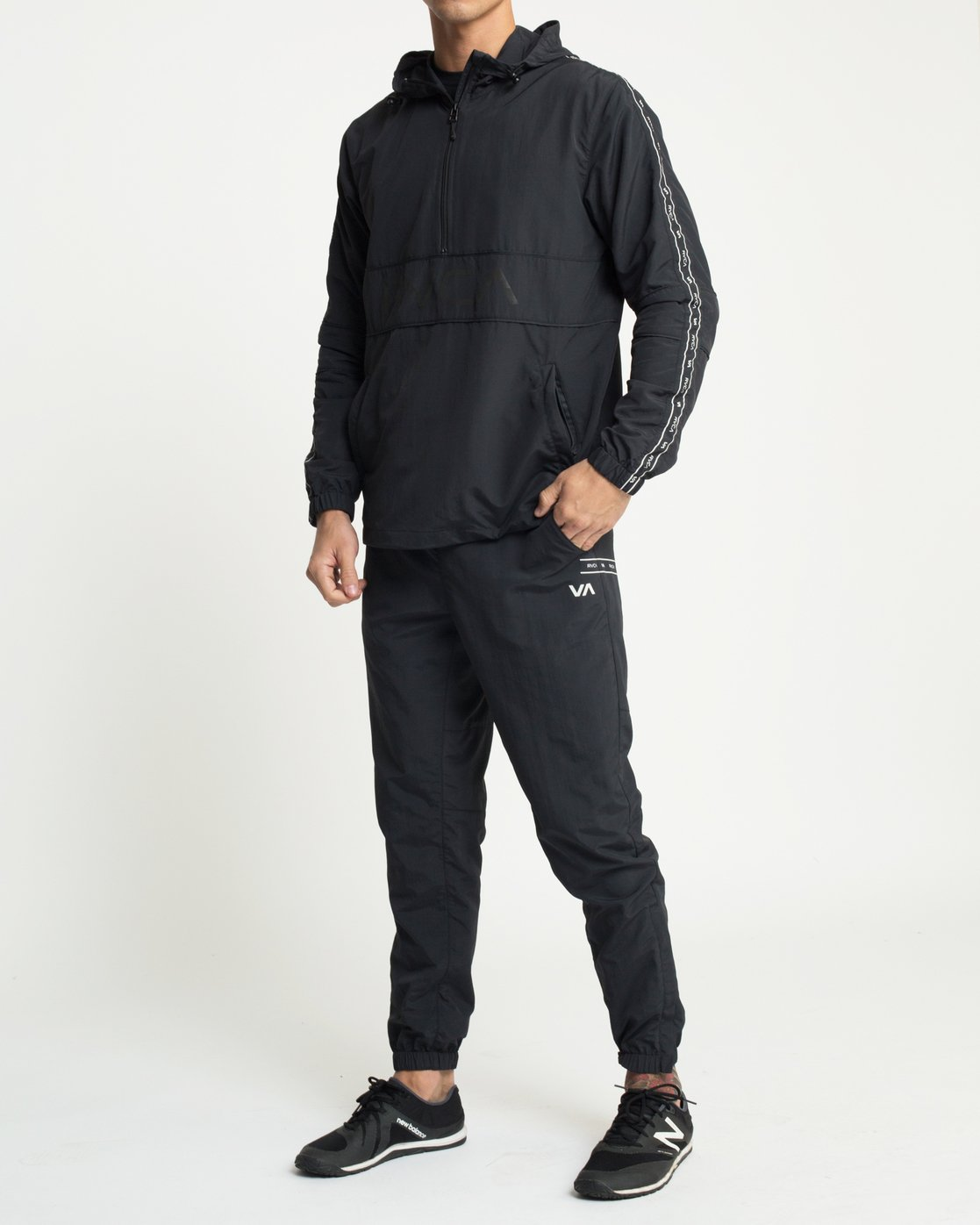 6 Adapter Anarok Jacket Black V704TRAA RVCA
