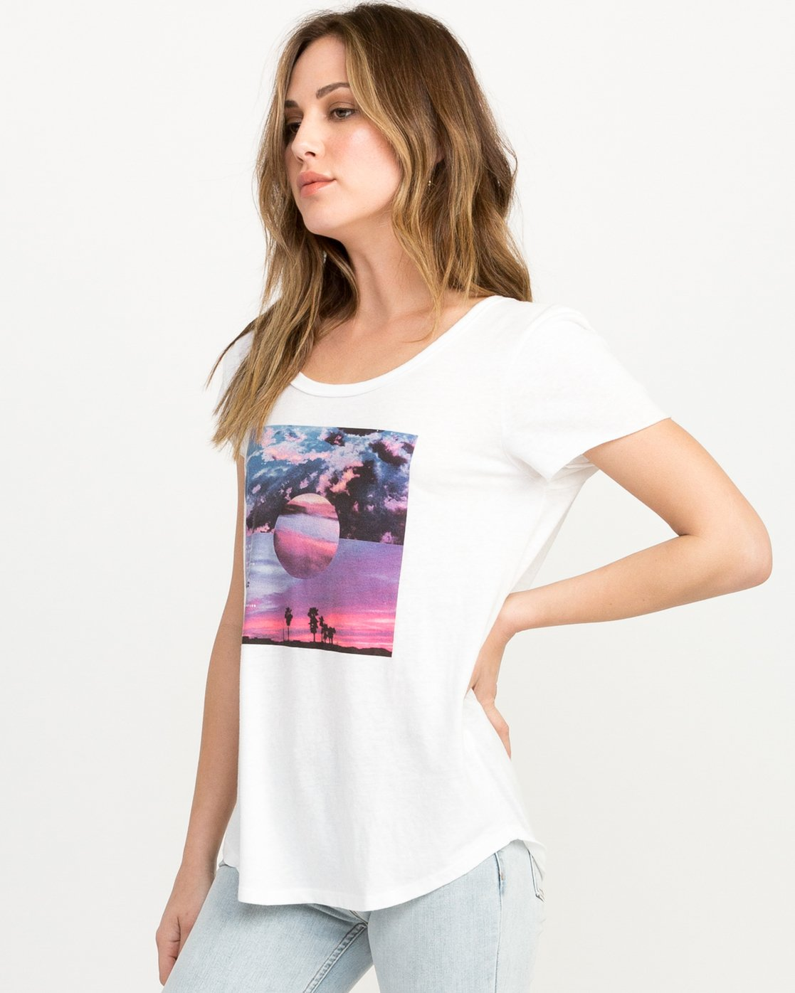 1 Refraction Scoop Neck T-Shirt White W417QRRE RVCA