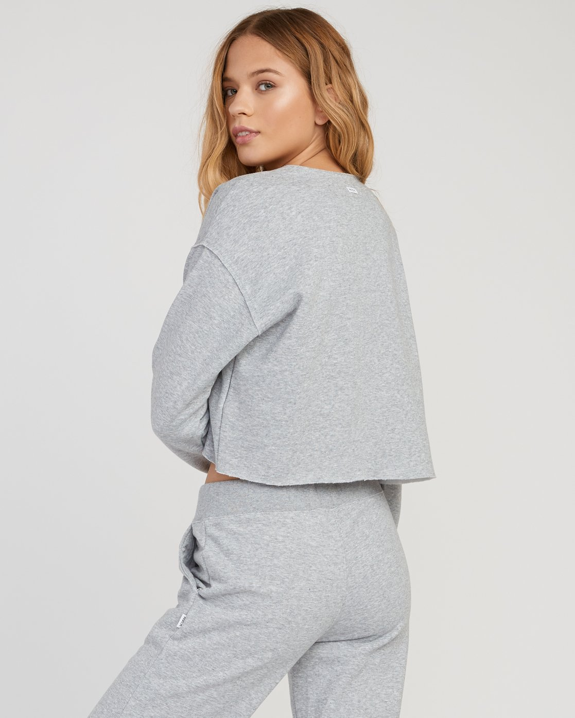 2 Stranger Cropped Sweater Grey W603SRST RVCA