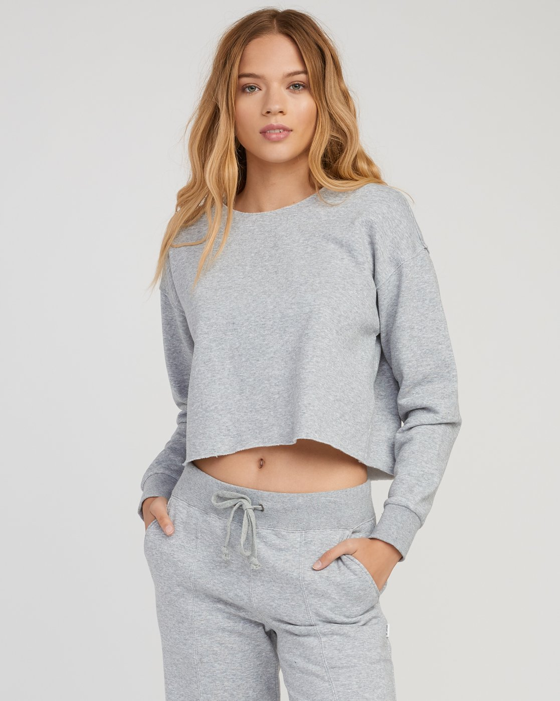 0 Stranger Cropped Sweater Grey W603SRST RVCA