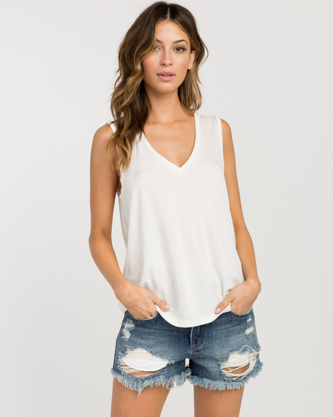 0 Bora V-Neck Tank Top White W902PRBO RVCA