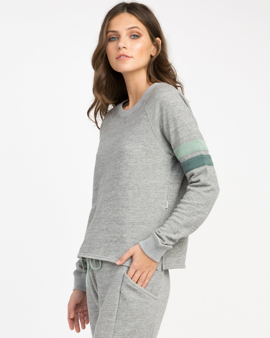 1 At Ease Pullover Top  WL01NRAE RVCA