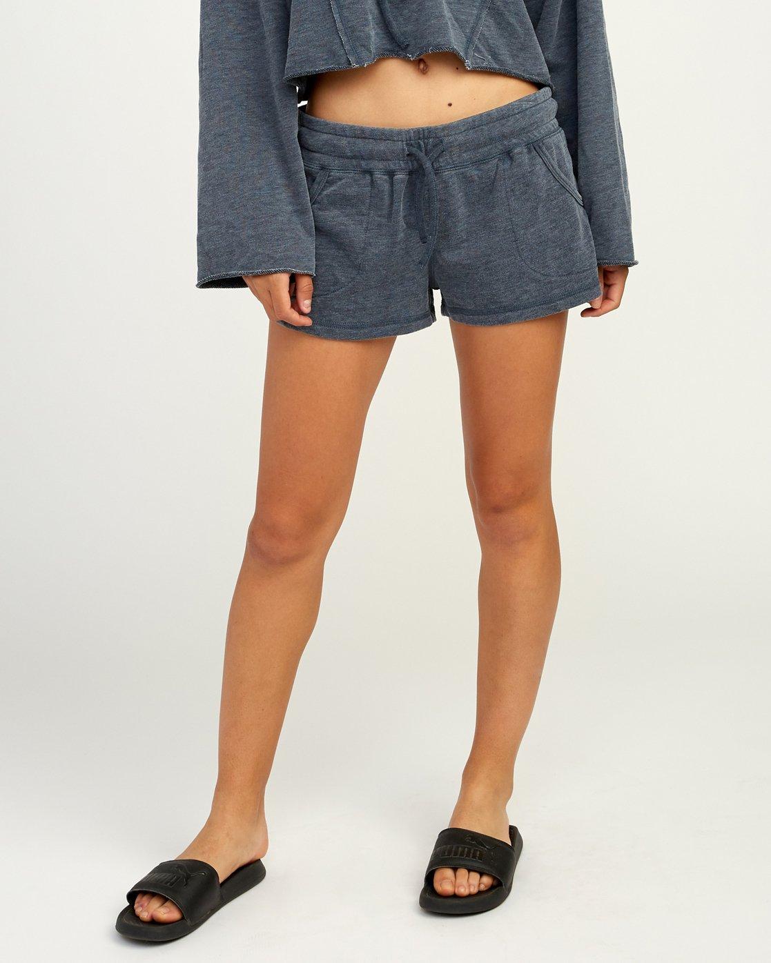 0 Ava Fleece Soft Short Blue WL08TRAS RVCA