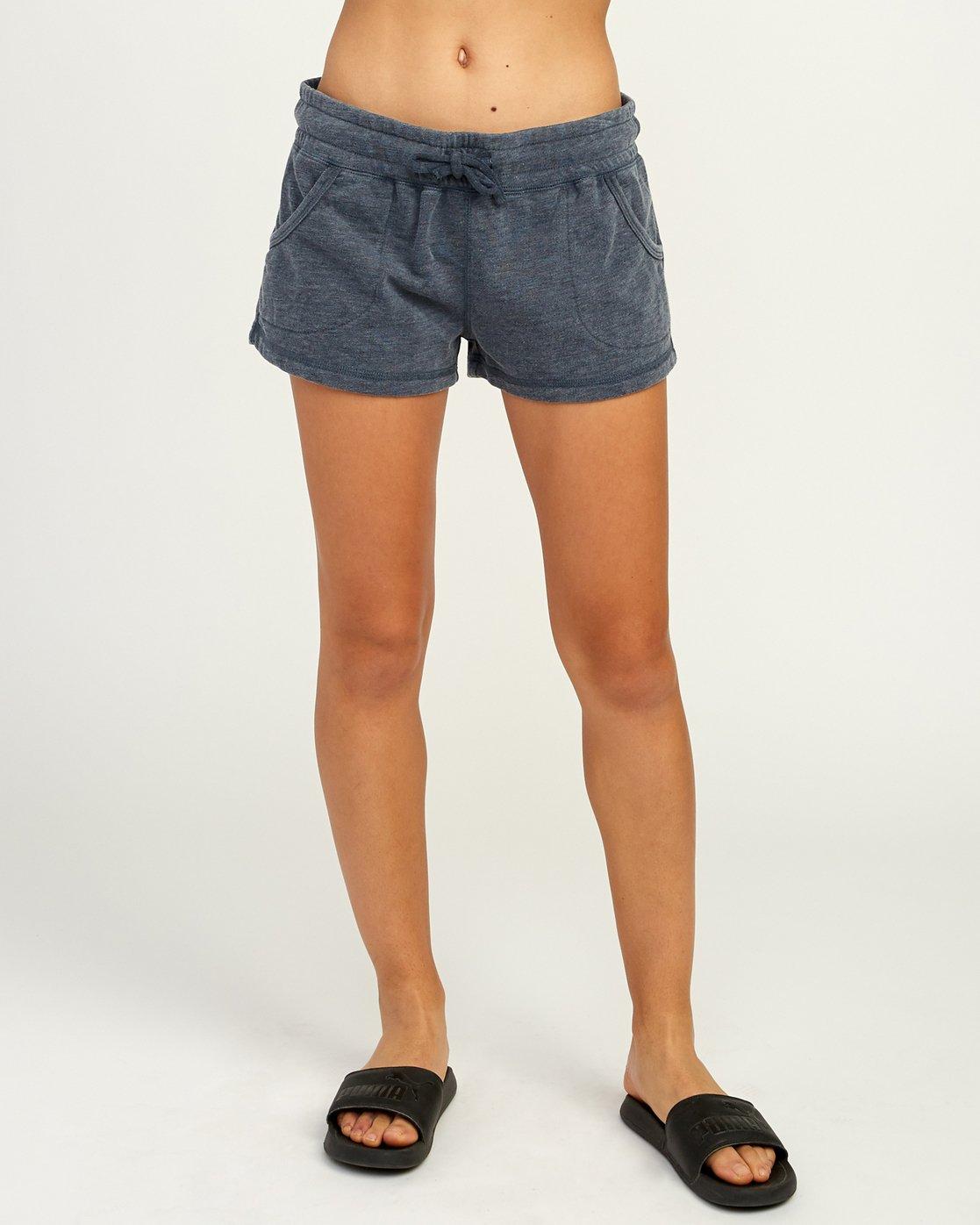 1 Ava Fleece Soft Short Blue WL08TRAS RVCA
