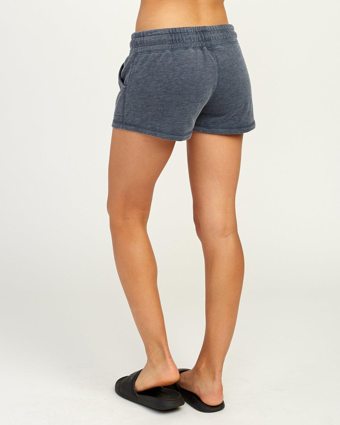3 Ava Fleece Soft Short Blue WL08TRAS RVCA