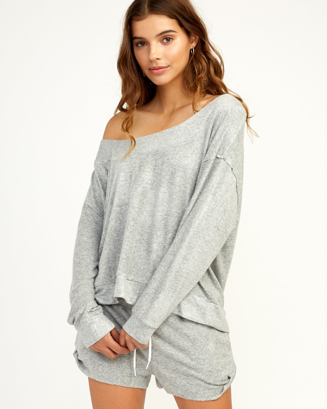 0 Whisper Fleece Pullover Top Grey WL09TRWP RVCA