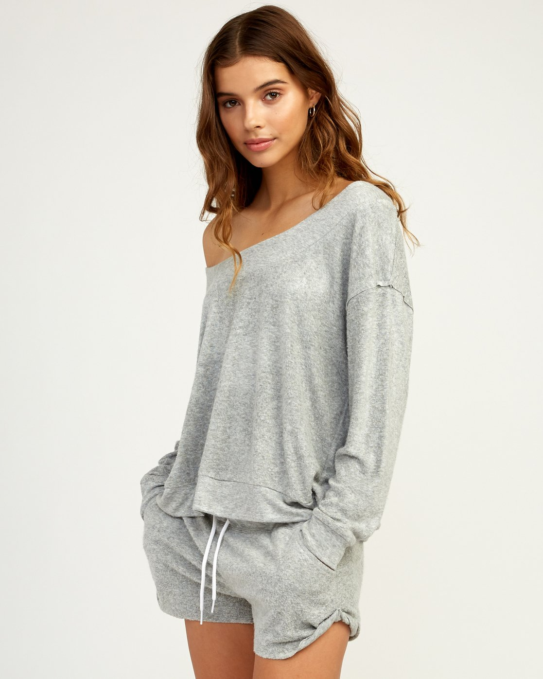 2 Whisper Fleece Pullover Top Grey WL09TRWP RVCA