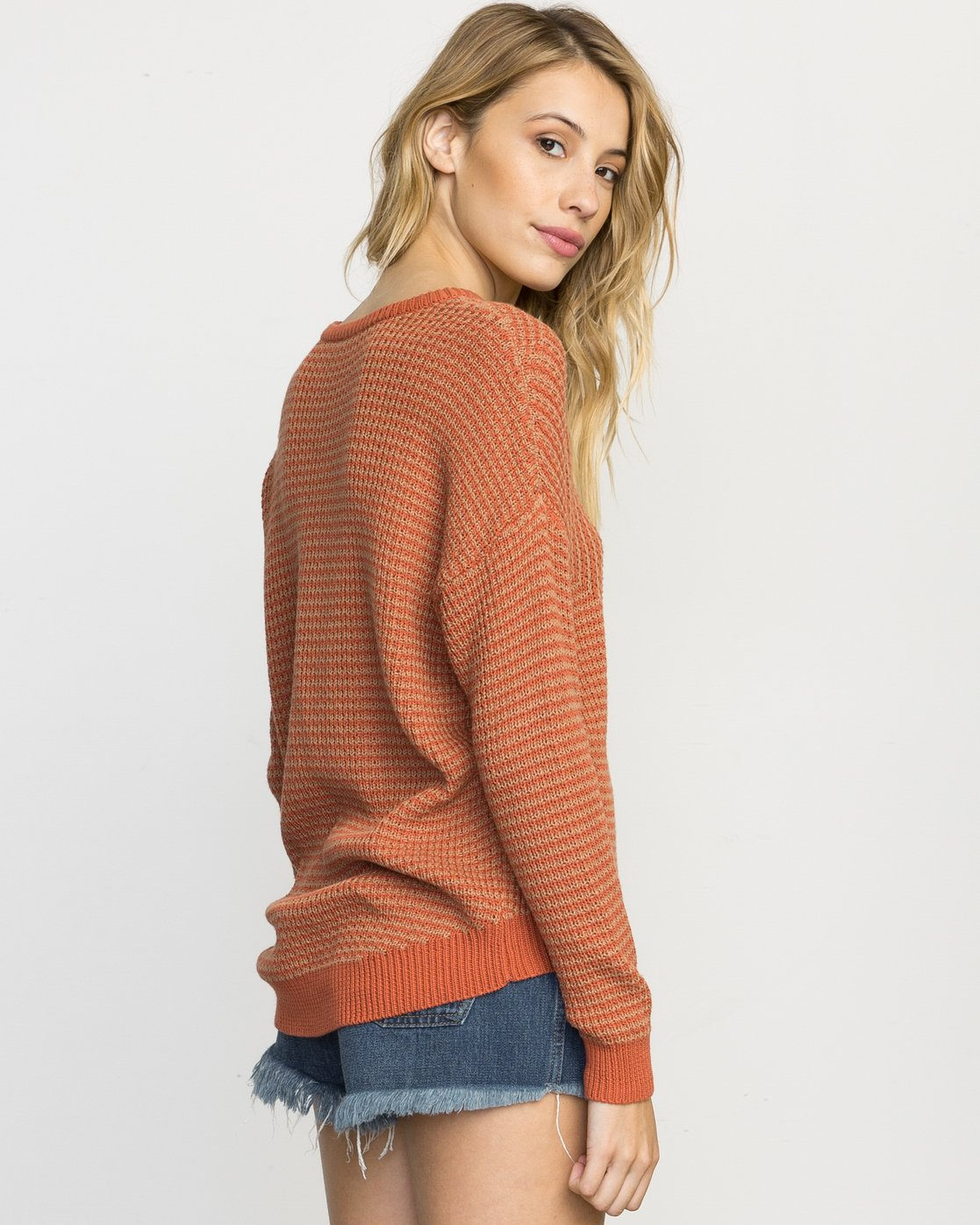 3 Light Up Knit Sweater  WLVV02LI RVCA